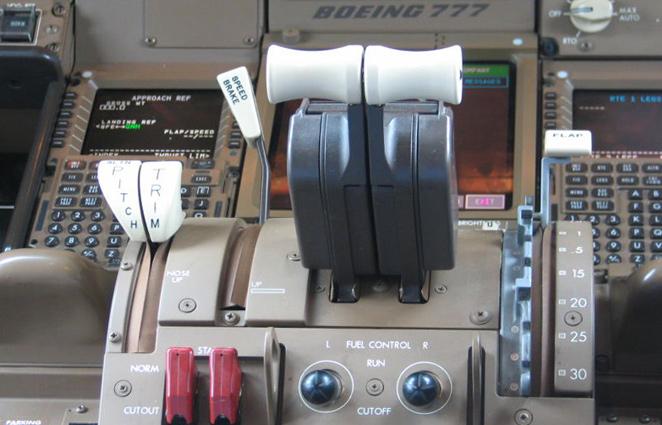 Boeing 777 Autothrottle